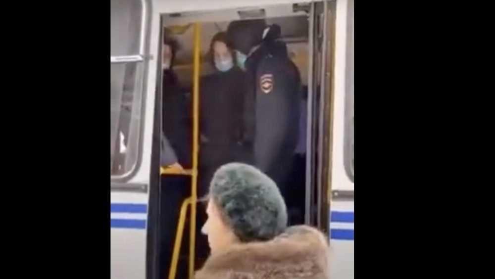 В Брянске теща вырвала зятя из рук полицейских на акции команды Навального