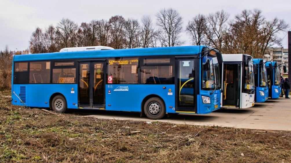 В Брянске пассажирка автобуса поблагодарила вернувших ей сумку кондукторов