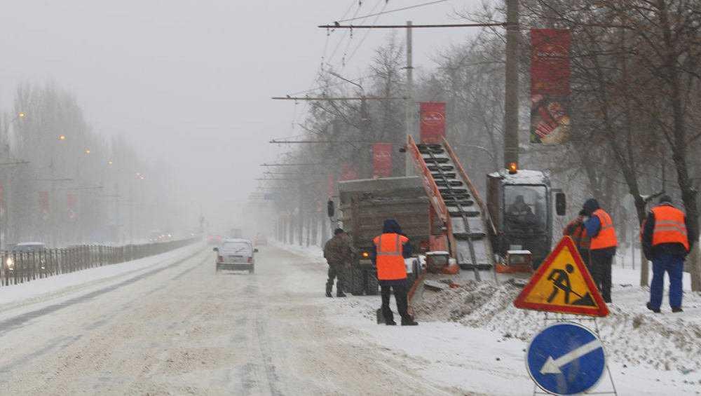 За сутки с улиц Брянска вывезли 2500 тонн снега