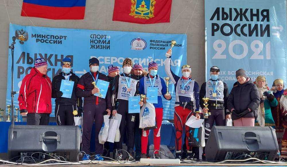 Четверо спортсменов «Лыжни России 2021» получили в подарок от «Единой России» телевизоры