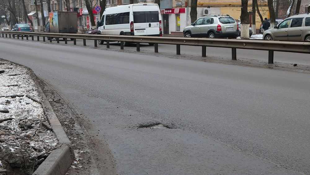 В Брянске после ремонта на 63 дорогах из 189 обнаружили брак