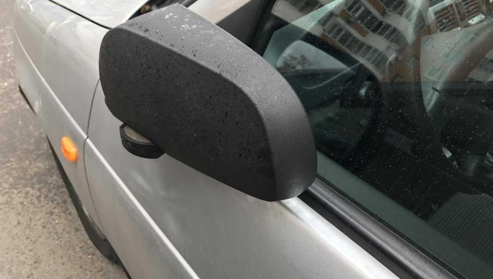 В Круглом сквере Брянска хозяйка «Мерседеса» поранила зеркалом мужчину
