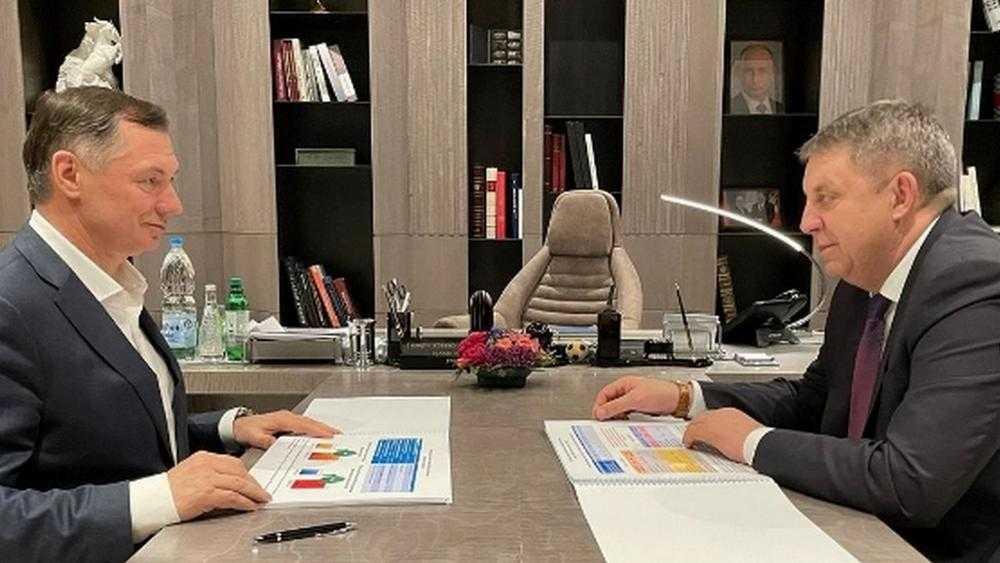 Вице-премьер Хуснуллин обсудил с брянским губернатором Богомазом нацпроекты