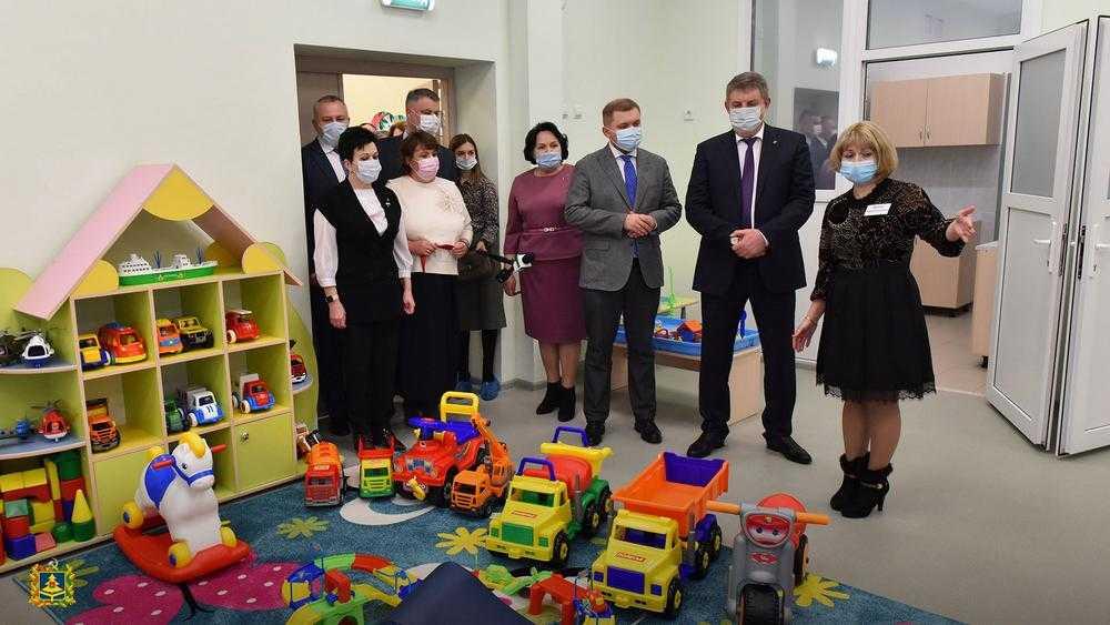 В старом аэропорту Брянска торжественно открыли новый детсад «Гармония»