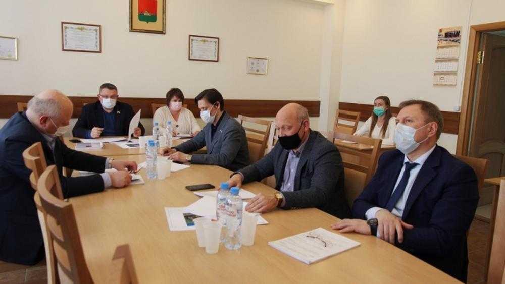 И никаких дорог: брянские депутаты получили мандаты блаженства