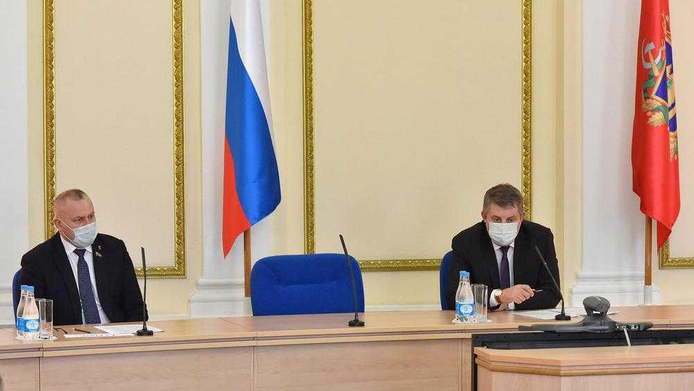 Брянский губернатор призвал глав районов и врачей ускорить вакцинацию