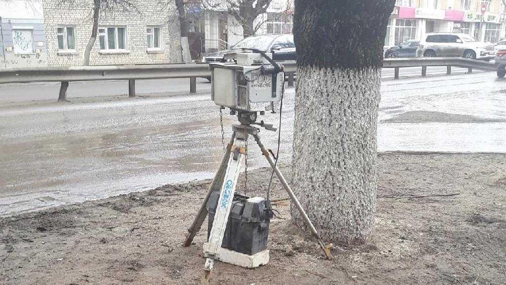 В Брянске дорожную камеру начали устанавливать возле «Полтинника»