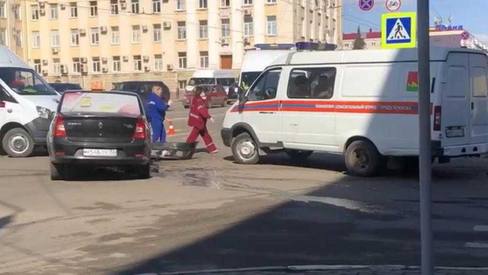 Появилось видео с места массовой аварии у ЦУМа в Брянске