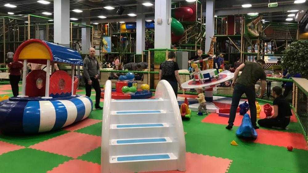 В Брянске снова заполнился детьми развлекательный центр «Аэропарка»