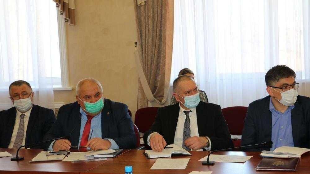 В Брянске депутаты предложили отменить плату за вывоз мусора из пустующих квартир