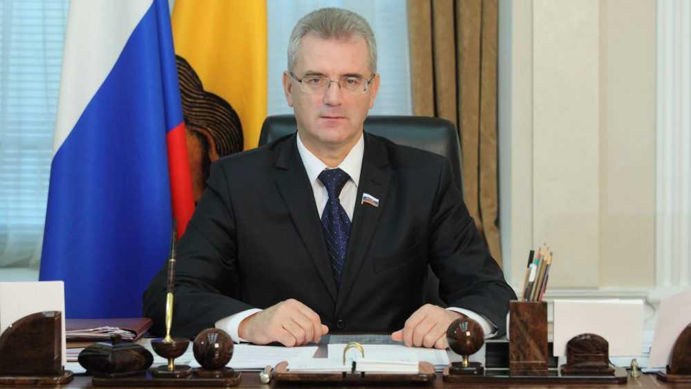 Россиян поразила сумма изъятых наличных у задержанного губернатора Белозерцева