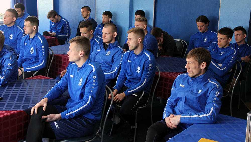 Руководство «Динамо-Брянск» поставило задачу футболистам остаться в ФНЛ