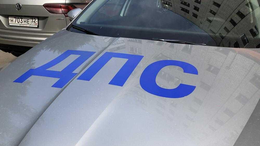 В Брянске за сутки наказали 3 маршрутчиков, 4 таксистов и 48 пешеходов