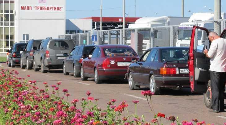 В Брянской области таможенника задержали за получение взятки
