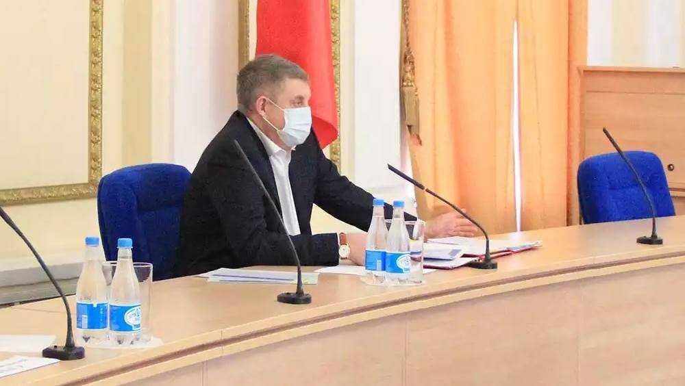 Брянский губернатор Богомаз предложил дать многодетным семьям выбор
