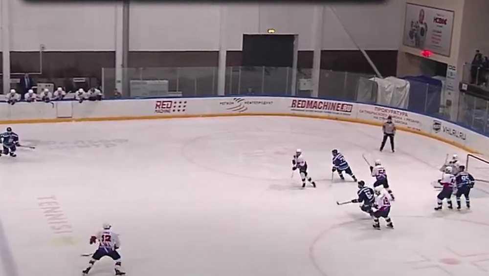 Брянские хоккеисты сравняли счет в серии игр плей-офф с «Рязанью-ВДВ»