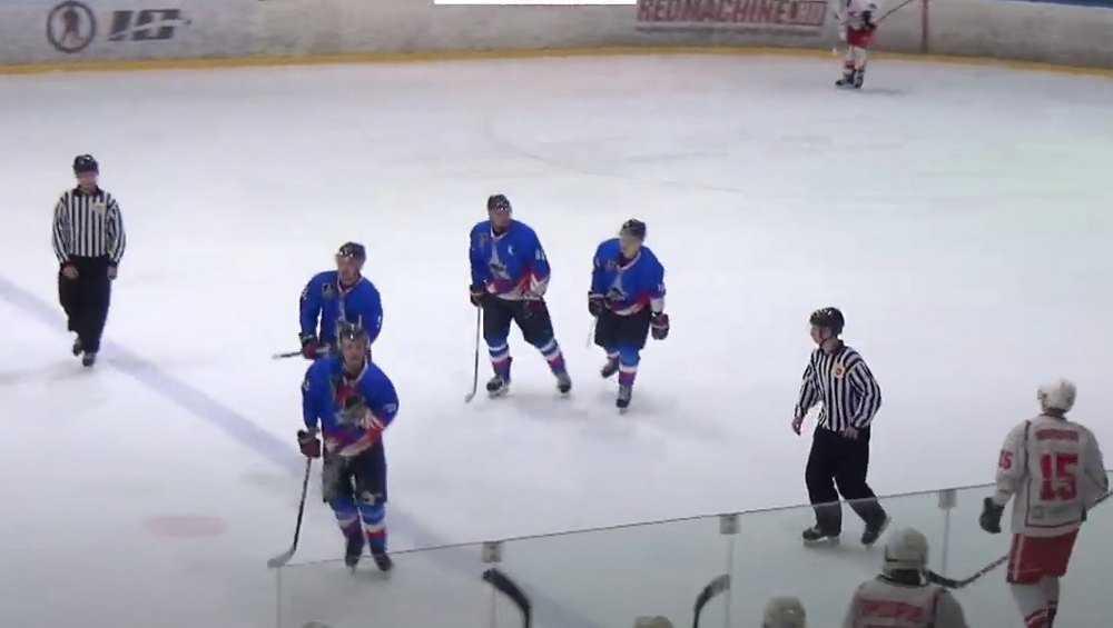 Брянские молодые хоккеисты победили сверстников из Новочебоксарска