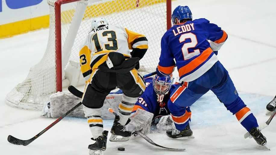 Второй «сухарь» голкипера Сорокина из «Айлендерс» поставил россиянина в ряд выдающихся вратарей НХЛ