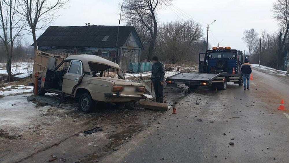 В Брянской области в ДТП под городом Суражом погибла 21-летняя девушка