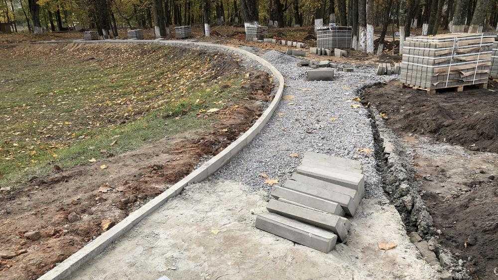 В брянском поселке Локоть в 2021 году отремонтируют тротуары