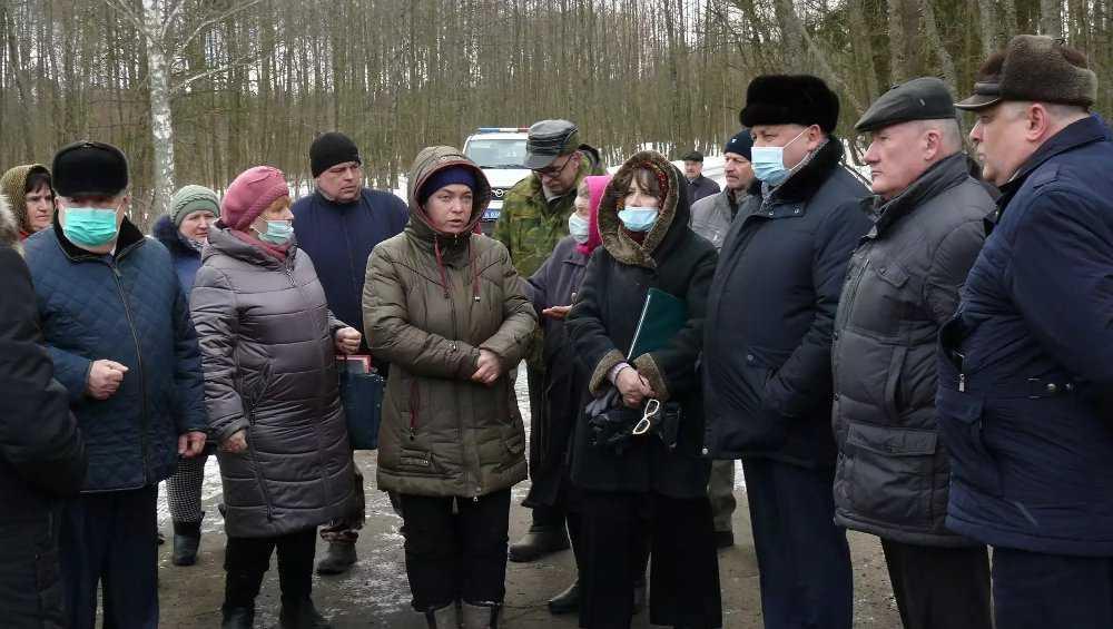 Оставшимся без остановки жителям брянской деревни власти решили помочь