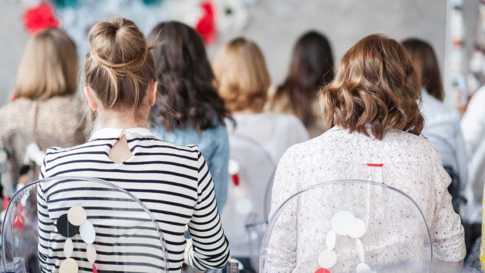 Брянские женщины проиграли мужчинам по средней зарплате