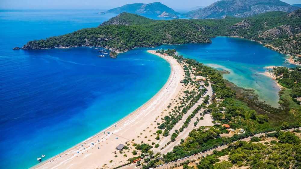 Жители Брянской области не смогут улететь в Турцию с 15 апреля до 1 июня