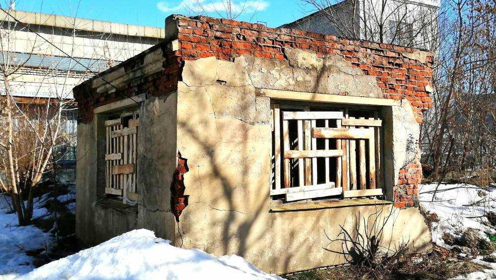 В Новозыбкове забили входы в наркопритон возле детского центра