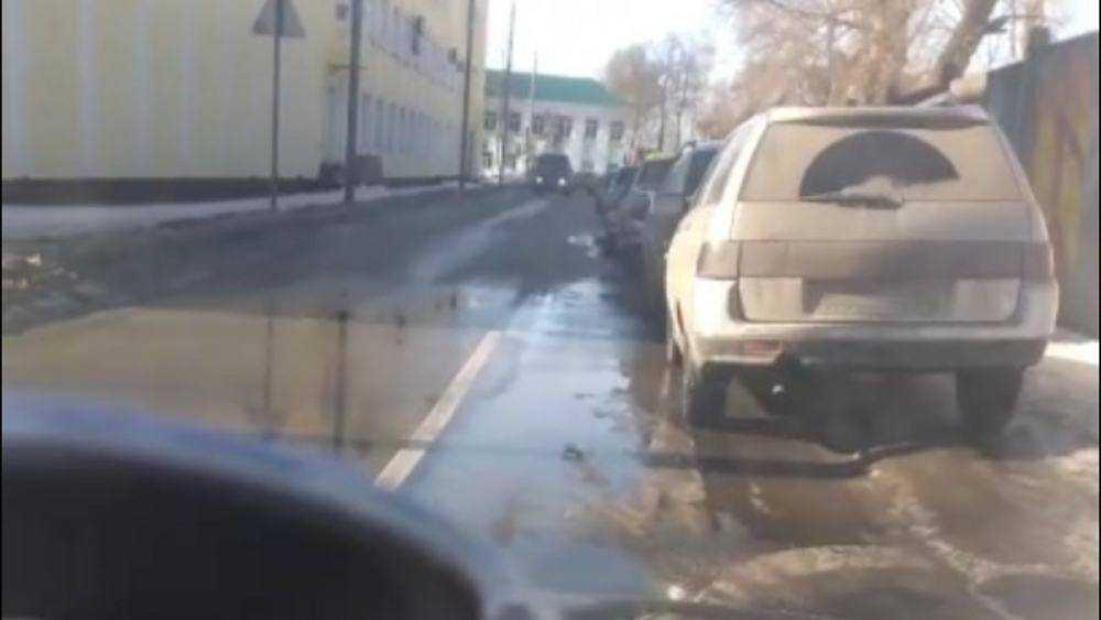 Брянские автомобилисты потребовали запретить парковку на Севской