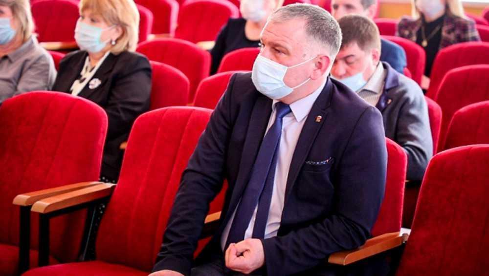 В Клинцах горсовет подтвердил полномочия депутата Валерия Сычева