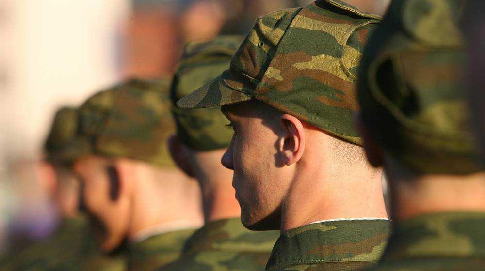 Брянский суд оштрафовал солдата за вымогательство денег у сослуживца
