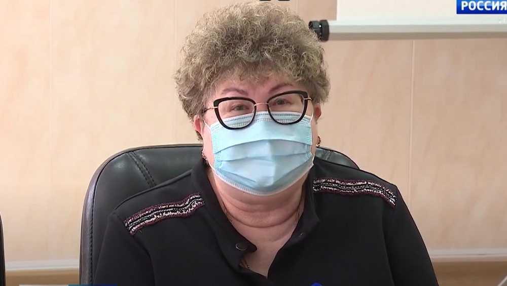 В Брянске учителя из-за прививок атаковали главного санитарного врача Трапезникову