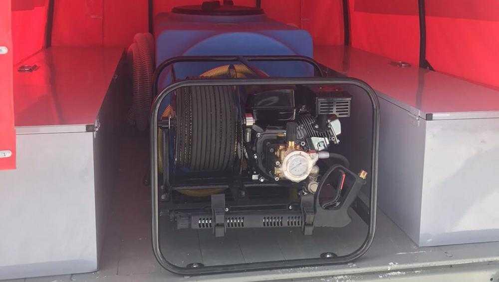 У брянских лесных пожарных появился новый патрульный автомобиль