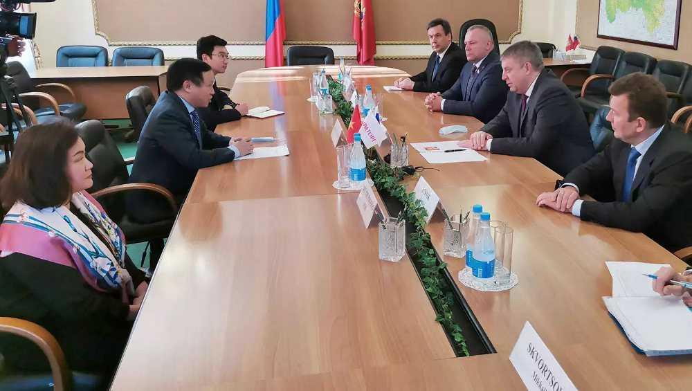 Посол Вьетнама приехал расширить сотрудничество с Брянской областью
