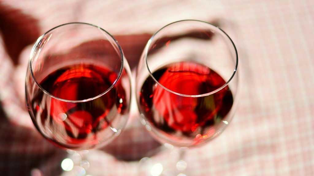 Роскачество назвало марки вина с низкими оценками