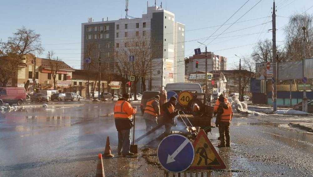 В Брянске ямочный ремонт начали вести в ежедневном режиме