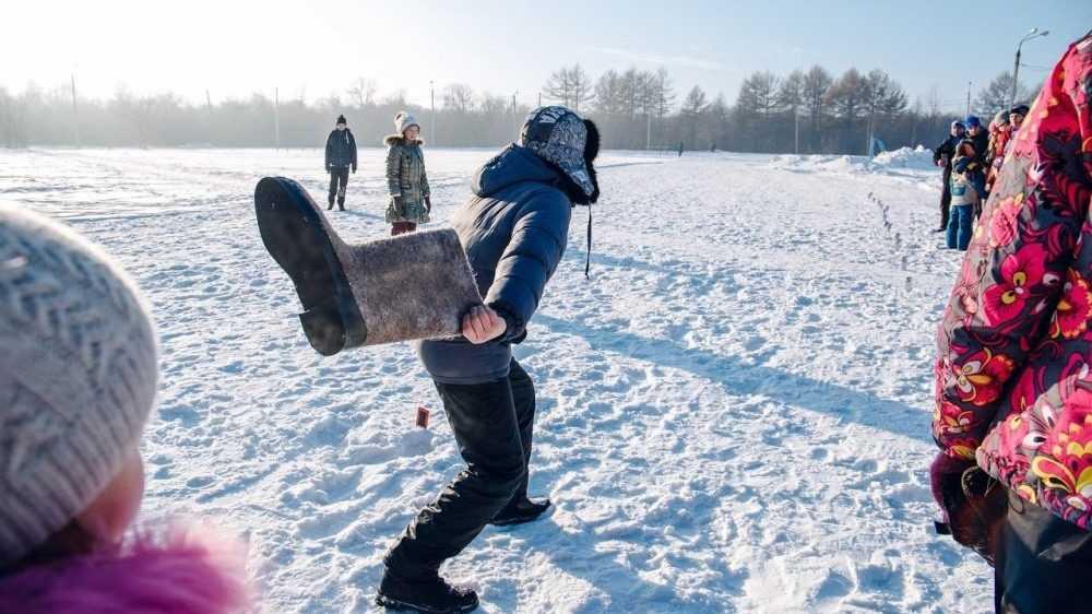 В Брянске пройдет весёлый чемпионат по метанию валенка на дальность