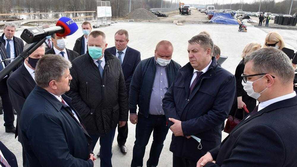 Гомельского руководителя поразила самая большая дорожная стройка Брянска