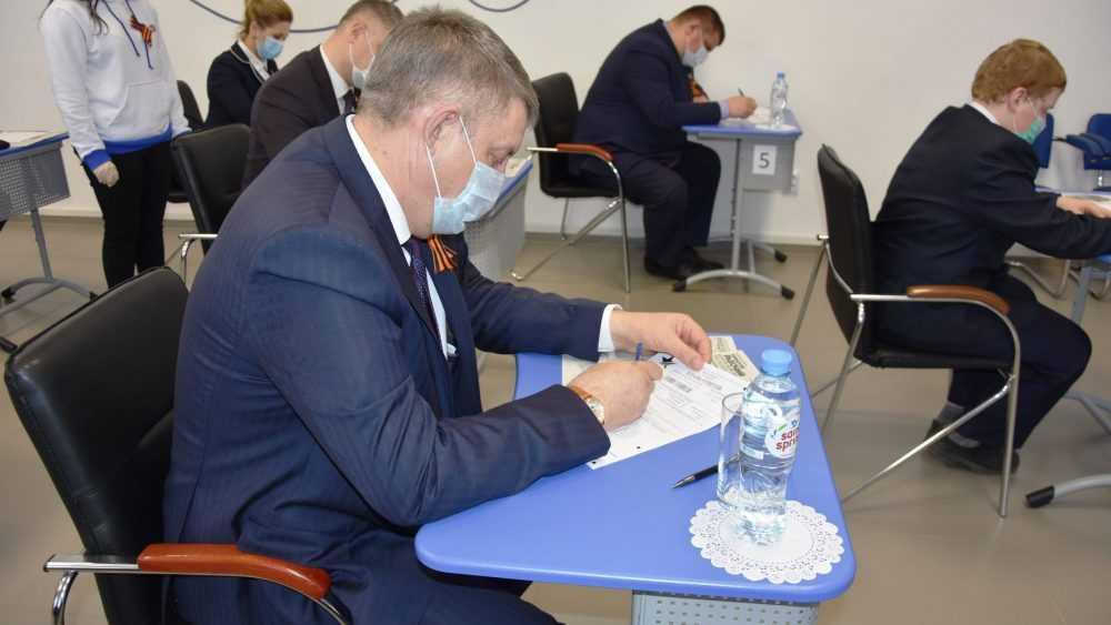 Брянский губернатор Александр Богомаз отчитался о доходах за 2020 год