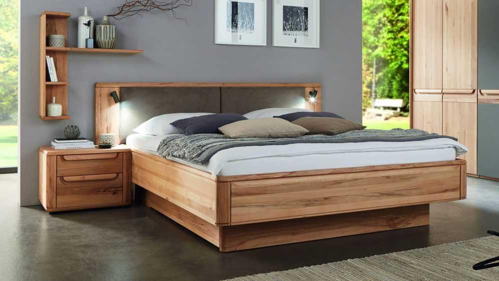 Двуспальная кровать для отдыха и сна