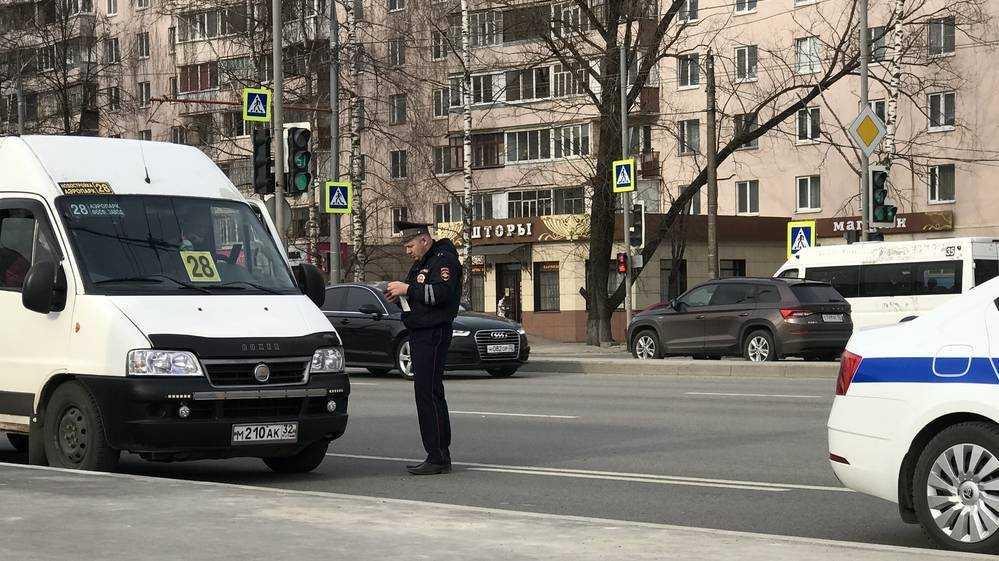 Брянские сотрудники ГИБДД перешли на усиленный вариант несения службы