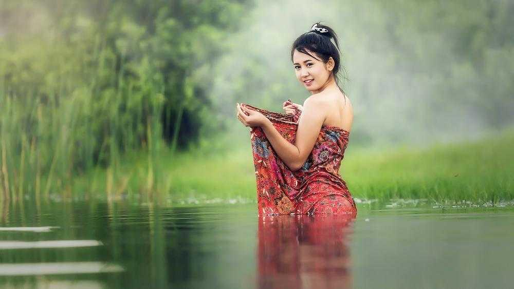 Первая тайская массажистка вышла замуж за брянского парня