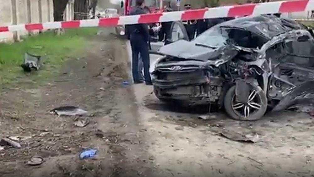В машине с 14-летним водителем в Новочеркасске погибли 5 подростков