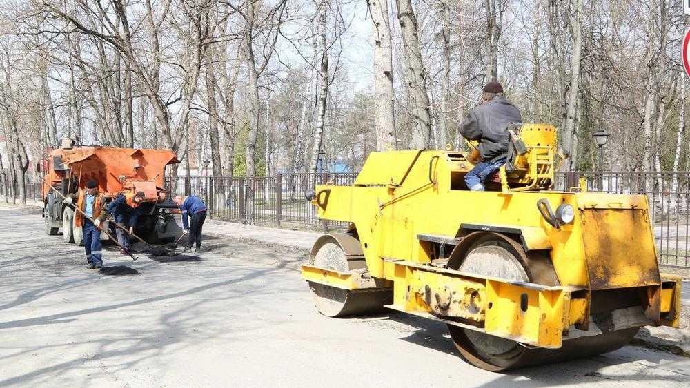 Брянский губернатор Богомаз отчитал чиновников за бестолковый ремонт дорог