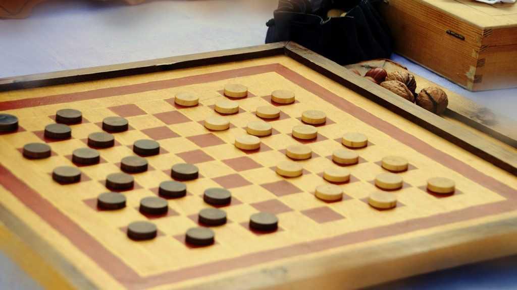 Онлайн-шашки с компьютером – легко и интересно