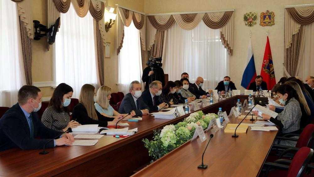 Брянские депутаты согласовали кандидатуру Носикова на должность судьи