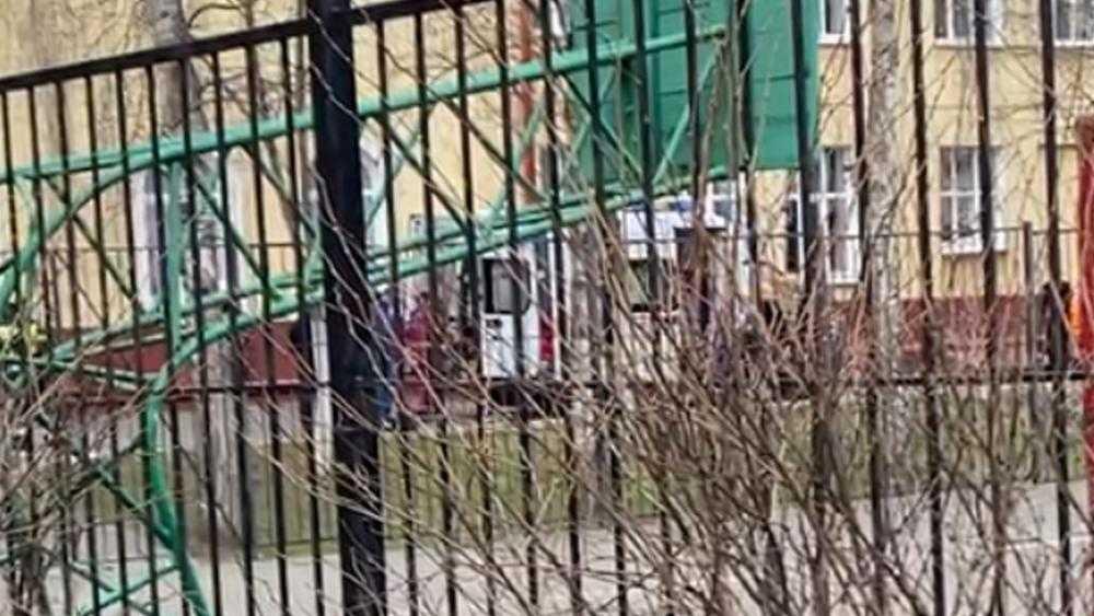 Брянские власти попросили не распространять слухи о падении школьника