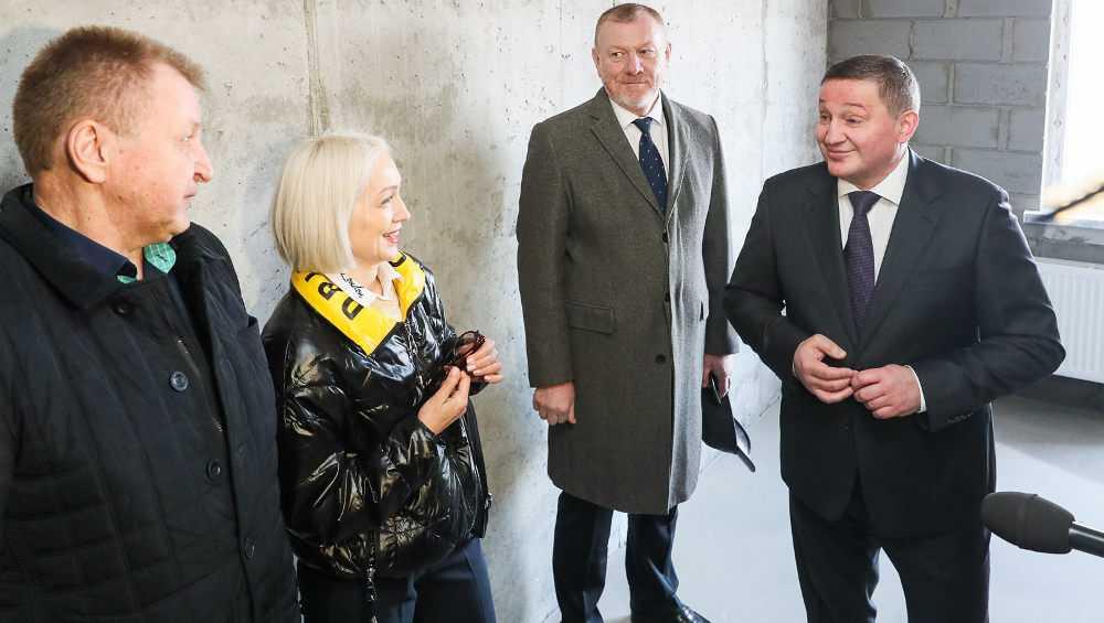 Бывший брянский депутат Бочаров заставил чиновников подняться пешком на 20 этаж