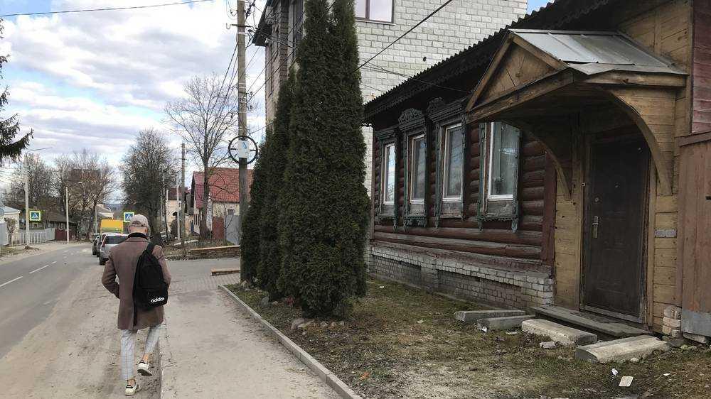 Брянск прирос еще одним архитектурным недоразумением в стиле дома-удава
