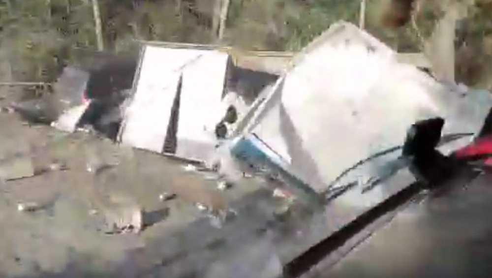 Под Дятьковом сняли видео страшного ДТП с грузовиком и легковушкой